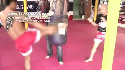 Muay Thai - Изпълнение на Маваши