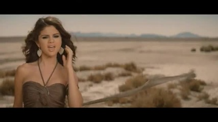 Превод! (високо качество) Selena Gomez and The Scene - A Year Without Rain Official Music Video