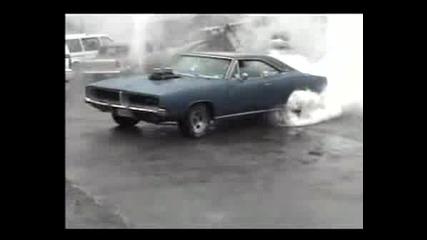 Dodge Charger Пали Гуми!!!