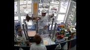 "Нагъл крадец в аптека в Бургас ж.к. ""лазур"""
