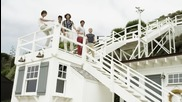 New !! One Direction - What Makes You Beautiful ( Official Video)