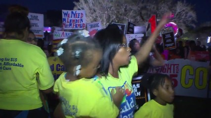 USA: Hundreds protest over minimum wage ahead of GOP debate in Miami