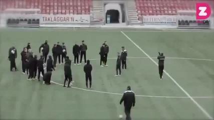 Футболен отбор прави Harlem Shake на стадиона