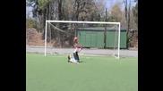 Момиче с футболни умения