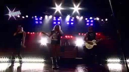 Kesha - Dinosaur (live)