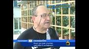 Господари На Ефира - директор на училище по Календар на телевизия.