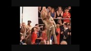 Anastacia - How Come The World Wont Stop Превод