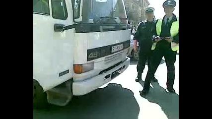 едни от най глупавите полицаи в Русе видно от действията им. А Дали са само те?