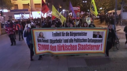 Germany: Kurdish groups wave banned PKK and YPG symbols in Frankfurt protest
