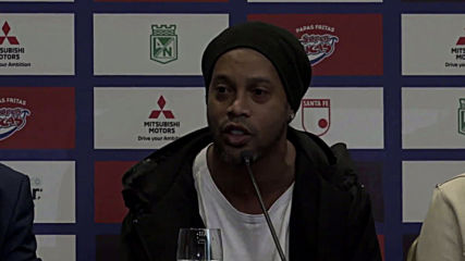 Colombia: Football legend Ronaldinho all smiles ahead of last hurrah