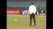 Камерун ще играе за победа над Холандия
