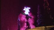 Екстремно и красиво ски спускане със светещи костюми
