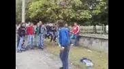 Николай Танцува Пред Гимназията