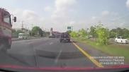 Секунда невнимание и камион помита джип като кибритена кутийка !