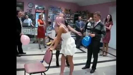 Смях! Забавно Пукане на балони