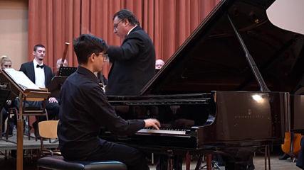 1. Chopin-concerto num. 21 mouv. Arda Mustafaoglu