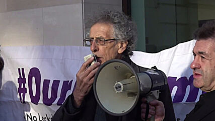 UK: Piers Corbyn arrives at London court to stand lockdown breach trial