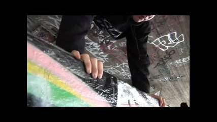 Learn Freerunning and Parkour - Handstand