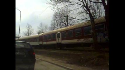парен локомотив серия 01.23 навлиза в град банкя (част 1 )