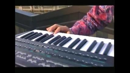 Suzana Jovanovic i Juzni Vetar - Rodjeni u pravo vreme (Official Video)
