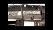 Arctic Monkeys - Old Yellow Bricks.flv