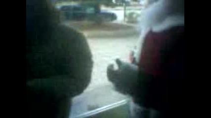 Мони - Танци С Дядо Коледа