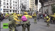Spain: Forest firefighters march to Madrid from Valladolid to demand better working conditions