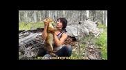 Хващане на прясна лисица направо от бърлогата.•смях.