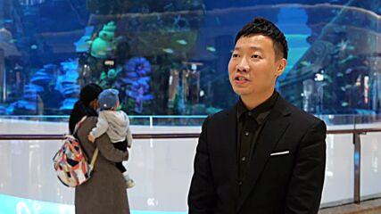 Massive cylindrical aquarium becomes selfie hotspot inside Chinese mall