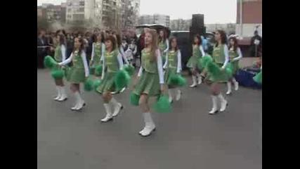Мажоретки на празника на Връбница 2008 година