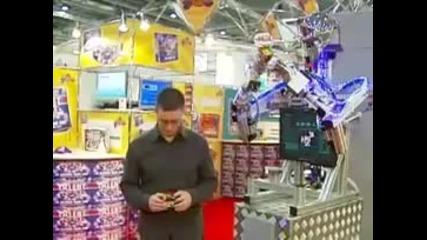Робот реди кубчето на Рубик