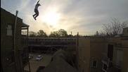 Скок от покрив, Итън Суонсън, професионален каскадьор