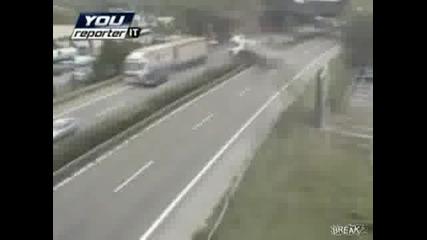 Компилация от катастрофи на камиони