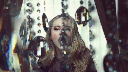 Премиера!Sabrina Carpenter-Eyes Wide Open(официално видео)