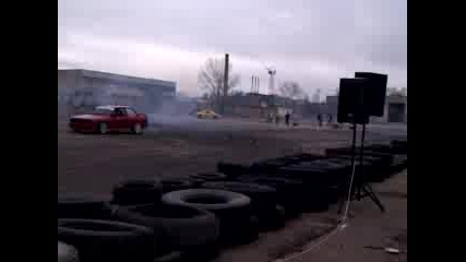 Super Drift Series - Round 1 (8.4.2012) Nissan Skyline vs Bmw e30