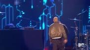 Истински робот ! Еминем подлудява публиката на Музикалните награди на Mtv 2013 - Berzerk and Rap God