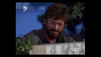 Грандиозен финал - Бехлюл плаче над гроба на Бихтер