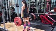 Тренирайте и вие! - Repping out 225lb on hexbar deadlifts