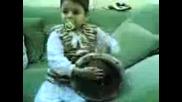 Бебе Свири На Тарамбука