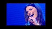 Laura Pausini ~ Resta in ascolto (video live)