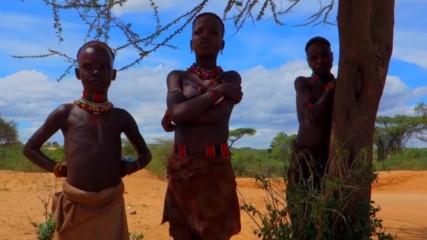 Украсеният живот на племето Кара, крие древни смъртоносни практики (