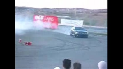 Bmw M6 Doing Donuts