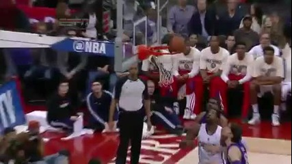 Blake Griffin put-back slam over Pau Gasol