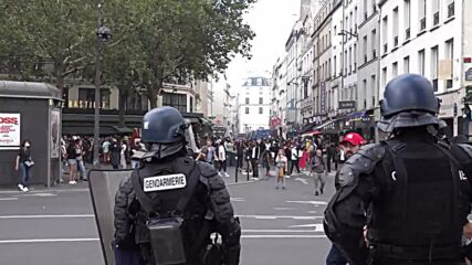 France: Police use tear gas and water cannons as thousands protest health pass in Paris
