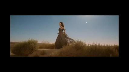 Селена Гомез - Промо част от песента A Year Without Rain ( Високо Качество )