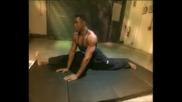 Звездата Майкъл Джей Уайт тренира и говори за филма си Универсален Войник: Завръщането (1999)
