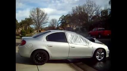 Dodge Neon - Буталата през капака.