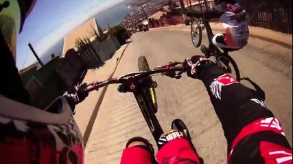 Екстремни спускания с колело във Valparaiso