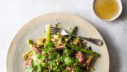 Телешки стек с печени на грил зеленчуци и цитрусов дресинг | Донал Скиан