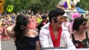 Стотици имитатори на Елвис Пресли дефилираха в австралийски град